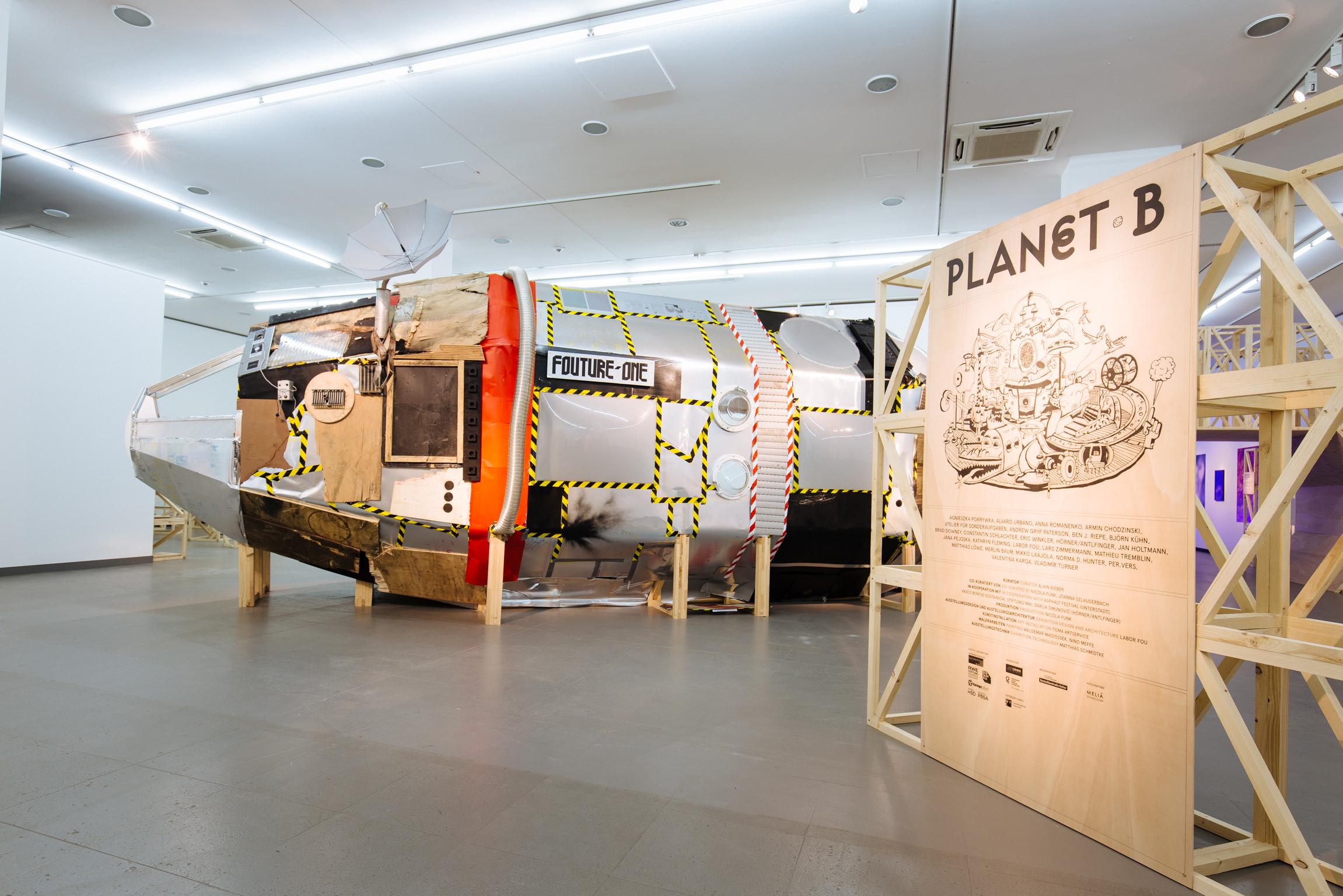 Ausstellungsansicht Planet B: Labor Fou / NRW-Forum Düsseldorf, Foto B. Babic